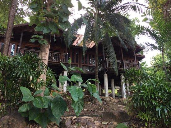 Berjaya Langkawi Resort - Malaysia: Rainforrest Chalet