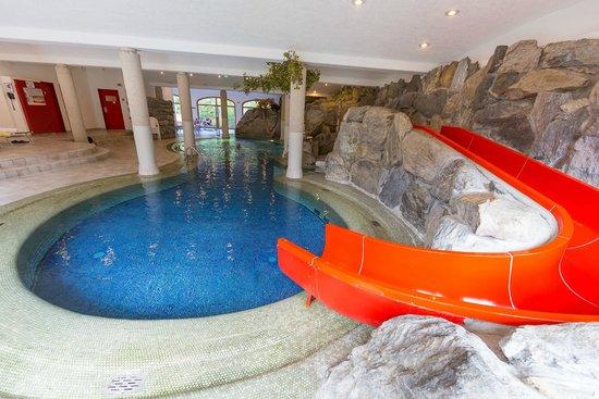 Alpen Hotel Weitlanbrunn: scivolo piscina