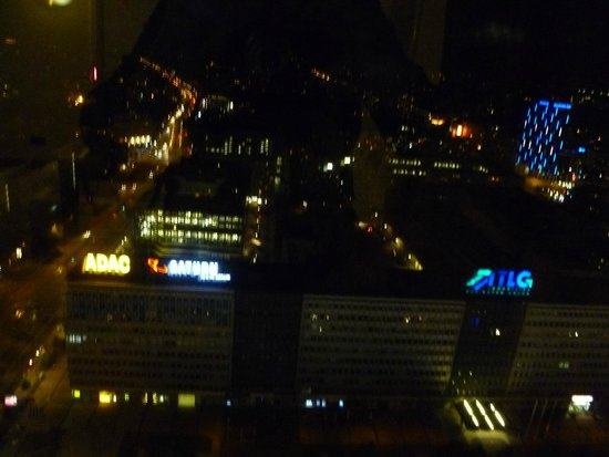 Park Inn by Radisson Berlin Alexanderplatz: view by night