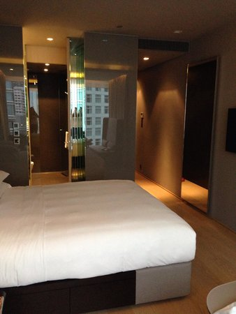 99 Bonham All Suite Hotel: Room 29B was great-nice!