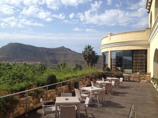 Vincci Hotel Envia Almeria Wellness & Golf: terraza 2