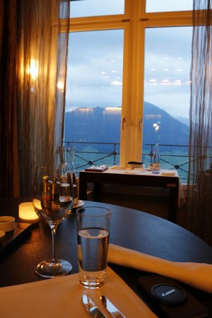 Hotel Villa Honegg: Dinner with a view