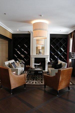 Hotel Villa Honegg: charming reception area