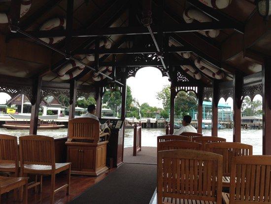Mandarin Oriental, Bangkok: boat ride to thai restaurant