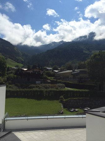 Das Alpenhaus Kaprun: The view from the balcony