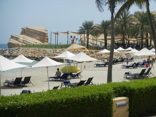 Shangri-La Barr Al Jissah Resort & Spa: view to splash pad