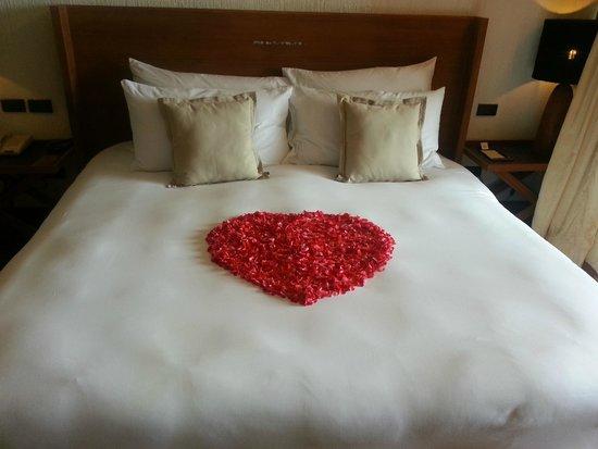 Hansar Samui Resort: Honeymoon Presentation
