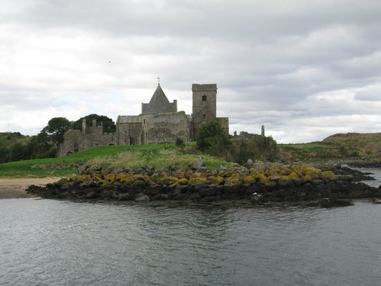 Inchcolm Abbey : The island as viewed from the south