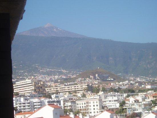 Hotel Puerto de la Cruz: El Teide desde la habitación