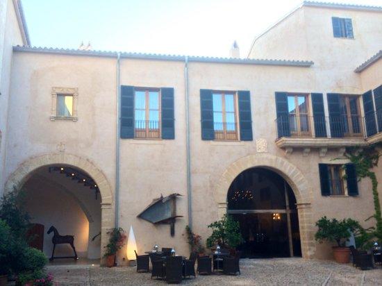 Hilton Sa Torre Mallorca: Entrance of Hotel