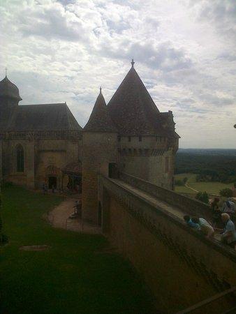 Château de Biron : Vue imprénable sour les paysages boisés