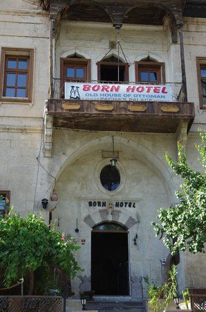 Born Hotel Old House: hotel