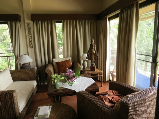 Samui Mountain Village: living room
