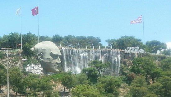 Minyon Hotel: Antalya-Ataturk Monument