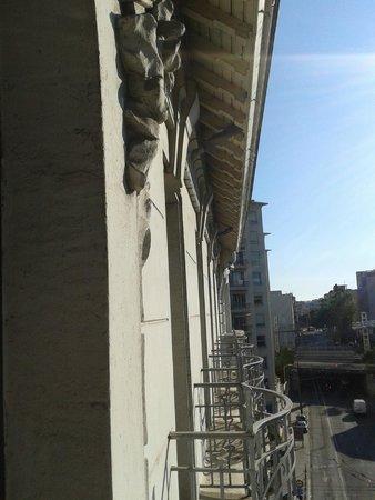 Mercure Lyon Centre Brotteaux : Vue depuis le balcon (façade de l'hôtel)