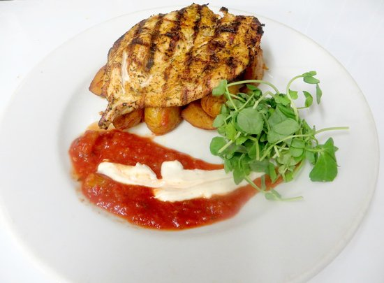 Qube Restaurant: Qube Special: Chargrilled Cajun chicken