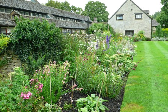 Old Swan & Minster Mill: The Herbaceous Border
