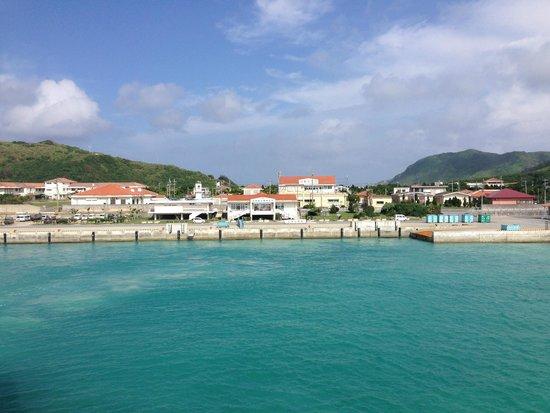 Tonaki-jima Island: と渡名喜港