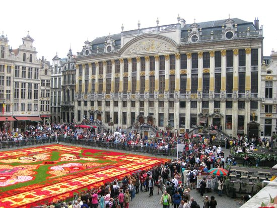 grand place and flower carpet