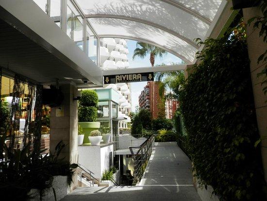 Riviera Beachotel: entrada hotel