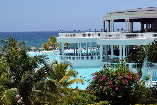 Grand Palladium Lady Hamilton Resort & Spa: Het hoofdzwembad