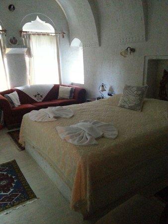 El Puente Cave Hotel: Nosso quarto durante a estada na Capadócia. Conforto e espaço após um dia de turismo.