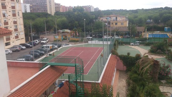 Hotel Esplendid: Terrain de foot, de tennis occasionnellement