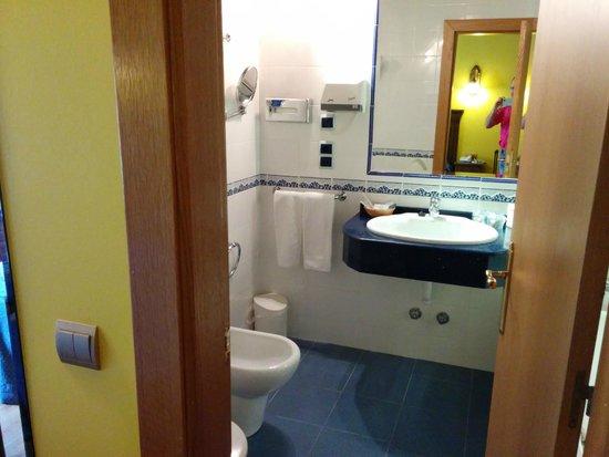 Hotel Imperion: Cuarto de baño