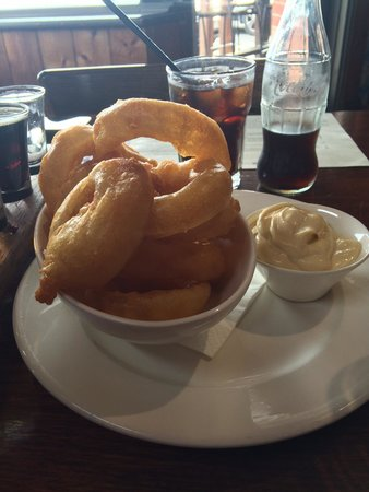 Coldstream Brewery: Onion rings with creamy aioli