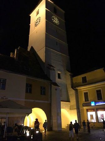 Turnul Sfatului (The Tower of the Council): Turnul Sfatului bei Nacht