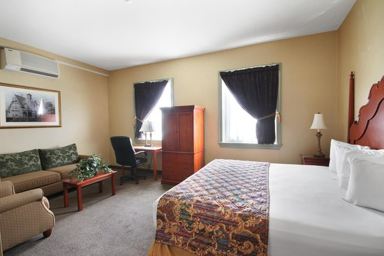 The Governor Dinwiddie Hotel & Suites: Guest Room