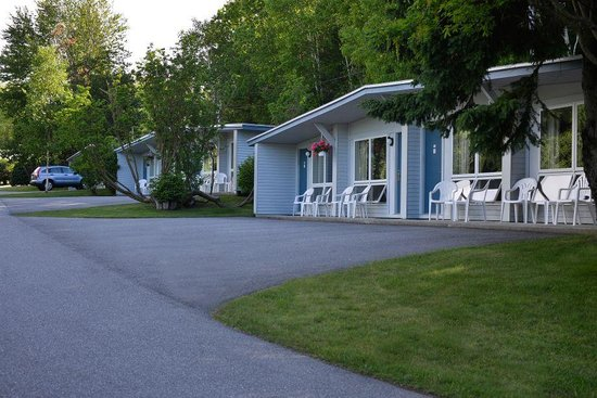 Bar Harbor Motel: Grounds and buildings