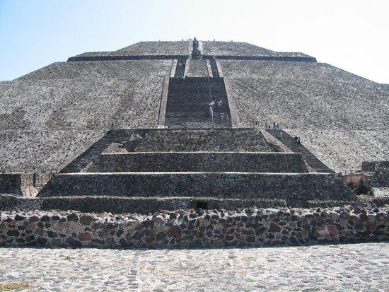 Zona Arqueologica Teotihuacan: Pyramid of the sun