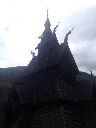 Borgund Stave Church: Stave Church form the graveyard!