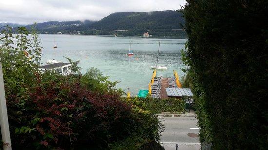 Flairhotel am Woerthersee: Blick zum See
