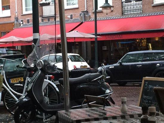 Brasserie Van Dam: Van Dam wordt steeds populairder voor de lunch.