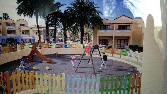 Apartamentos THe Koala Garden: Lekeplass for barn :)