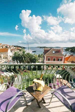 Hotel Park Hvar: View from Deluxe double bed suite; #23