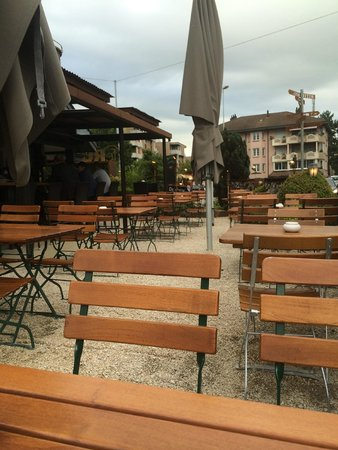 feRUS Hotel: Im Gastgarten