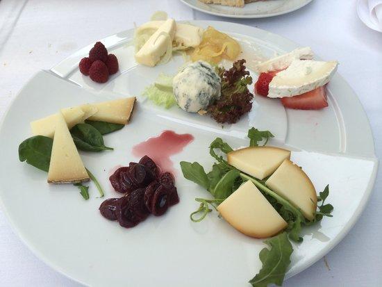 Malatesta: Wonderful cheese and dessert wine