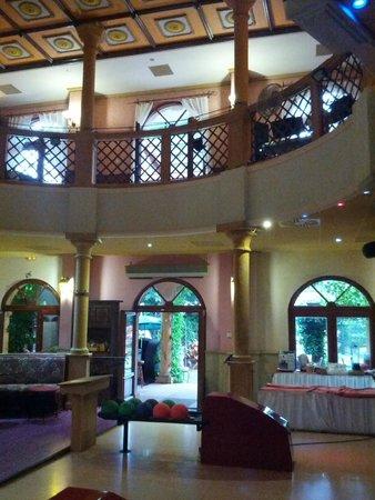 Hotel Bow Garden: Ristorante al 2° piano
