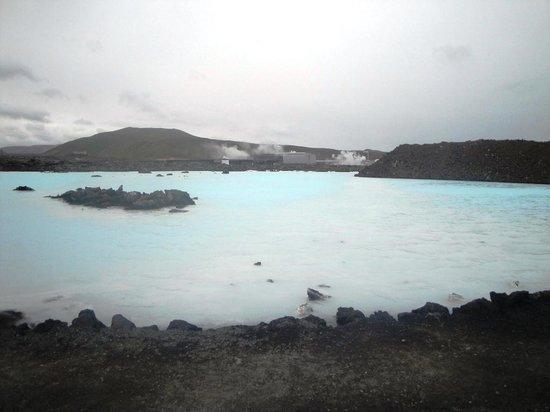 Blue Lagoon : La laguna all'esterno del centro termale