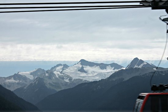 Hilton Whistler Resort & Spa: Peak2Peak-Highest lift of its kind in the world: 436 m/1,427 ft above the valley floor.