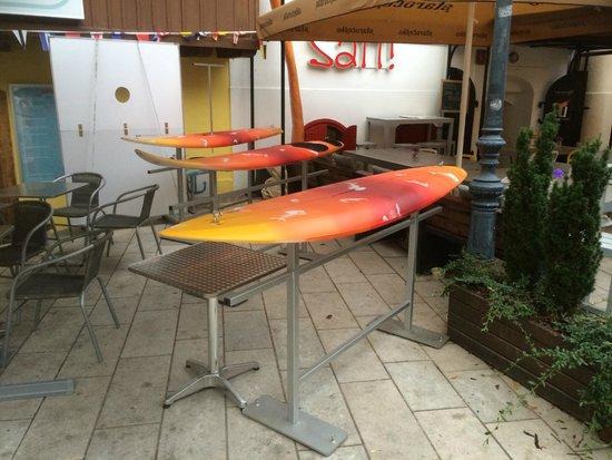 Tkalčićeva : tavolini surf