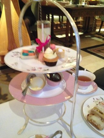 The Royal Horseguards: Yummy afternoon tea