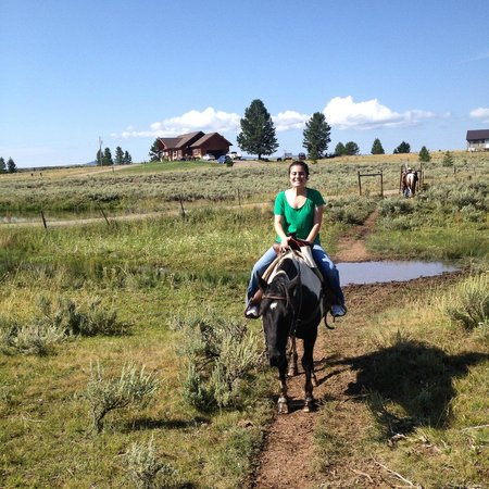 Yellowstone Horses - Eagle Ridge Ranch: The start of our ride!