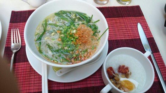 Memoire d' Angkor Boutique Hotel: 朝御飯で美味しかったフォー