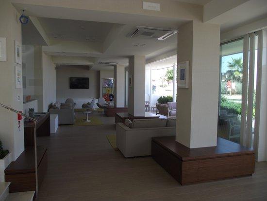 Hotel Kursaal : puro relax in pratica sulla spiaggia