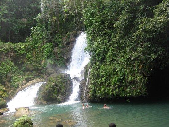 Hotel Riu Palace Jamaica: wodospad