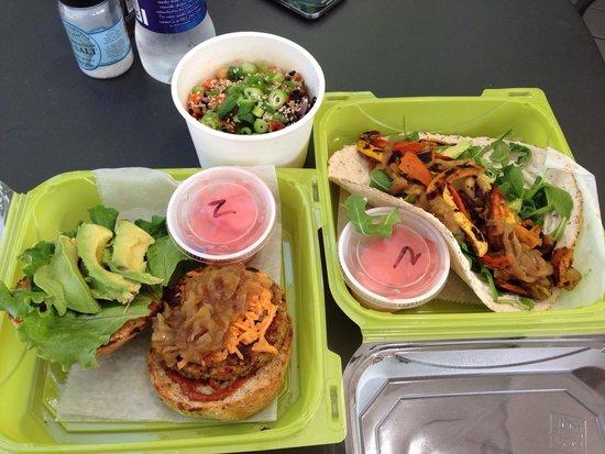 Green Bar & Kitchen : Smokehouse Burger, Veggie Wrap and the Firecracker Bowl - All Outstanding!